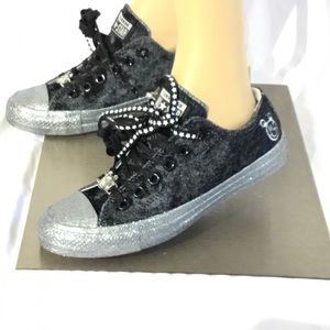 Converse, Miley Cyrus Edition. Brand New CTAS OX